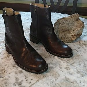 L.L.Bean dark brown leather boots